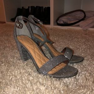 Bamboo Silver Sparkle Heels Size 8